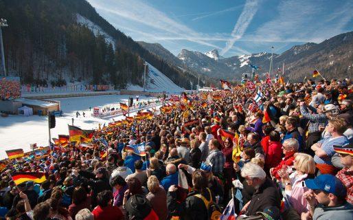 12-biathlon-publikum-mit-hrndlwand